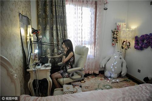 志玲版工科女成网红主播 收入翻了五倍